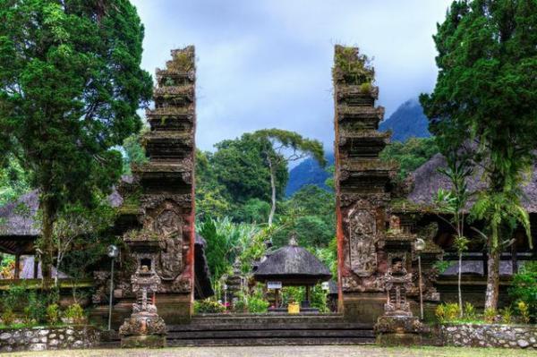 full_batukaru_temple_1426738123