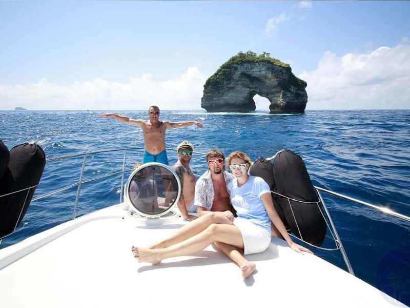 nusa-lembongan-yacht-800x600
