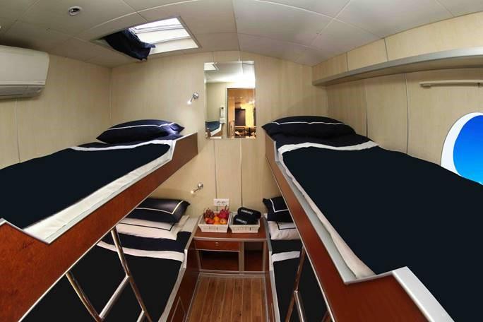 Haruku_4_bed_single_cabin